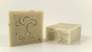 Αγνό σαπούνι ελαιολάδου με Ροσμαρί και αιθέριο έλαιο Σανδαλόξυλο