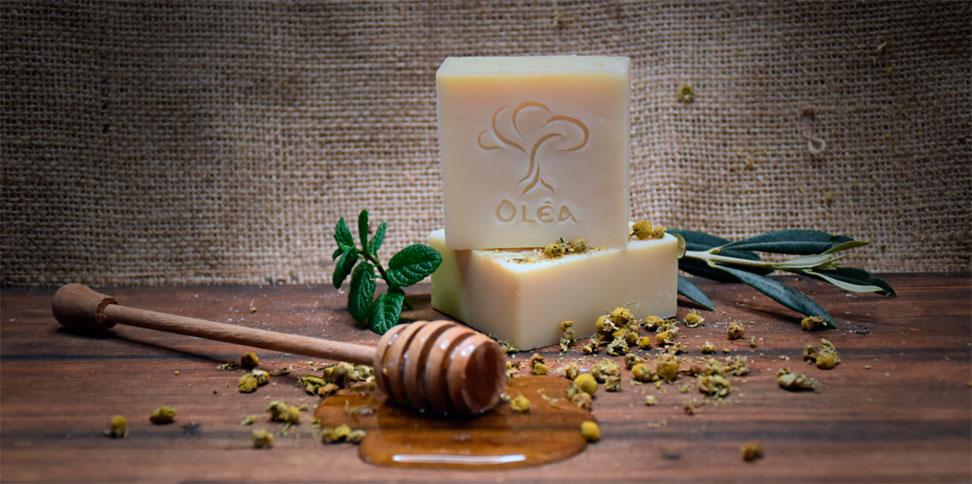 Ενυδατικό σαπούνι με μέλι και χαμομήλι