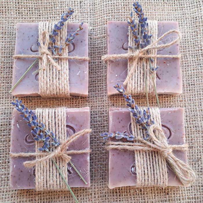 Δώρα καλεσμένων μπομπονιέρες με σαπούνι